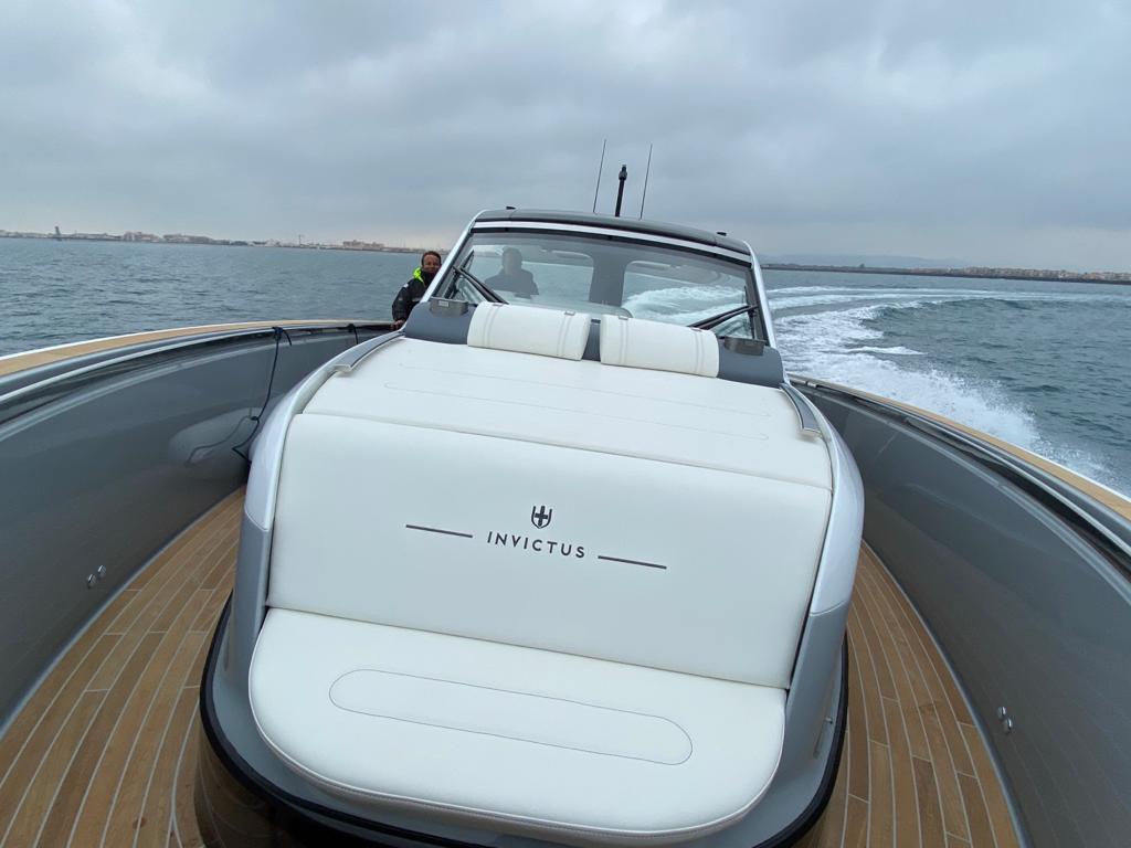 Invictus TT 460 Baleares Ponent Yachts